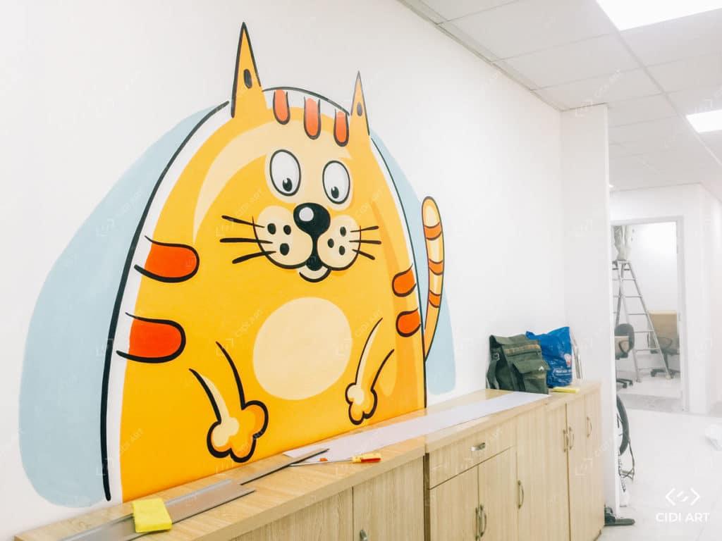 Vẽ tranh tường mầm non với hình mèo ngộ nghĩnh